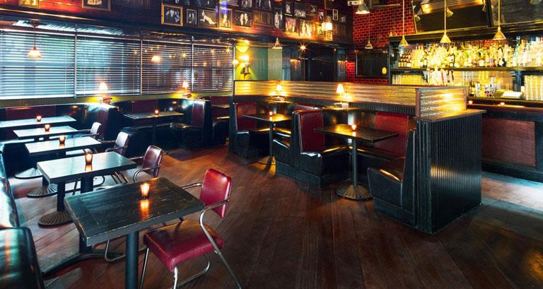 Indoor Bar Seating | Indoor Pub Stools | Bar Seating supplier in India